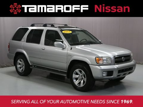 Pre-Owned 2004 Nissan Pathfinder LE
